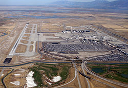 SLC_airport,_2010